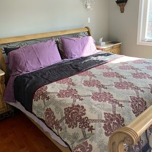 Purple flower comforter